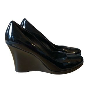 cole haan • patent leather wedge pumps